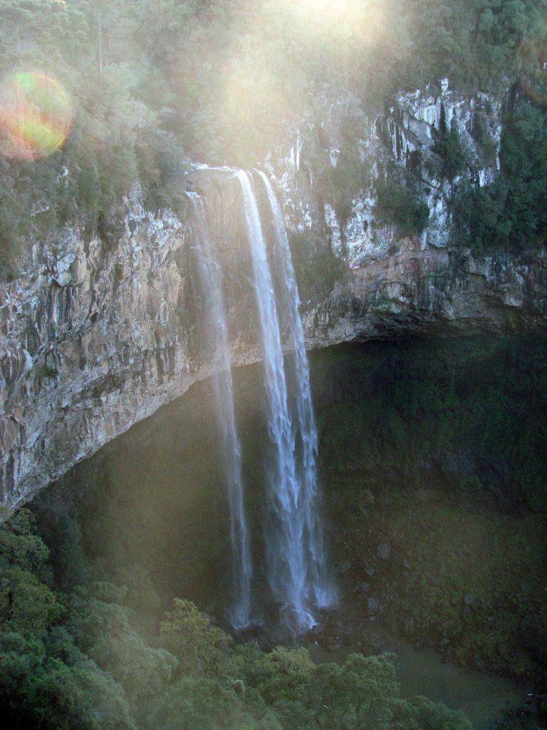 cachoeira-parque-do-caracol
