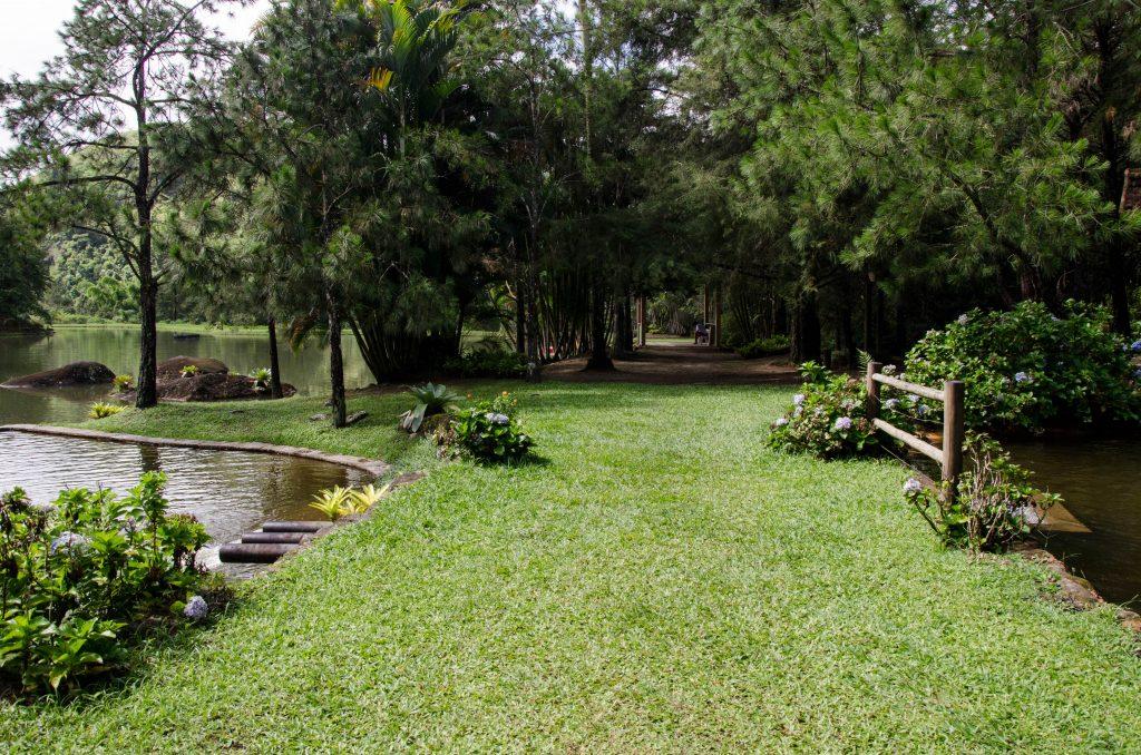 Villa-São-Romão-area-lago