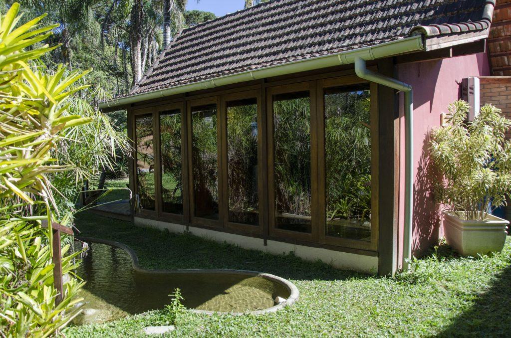 Área-externa-chalé-jardins-do-passaredo