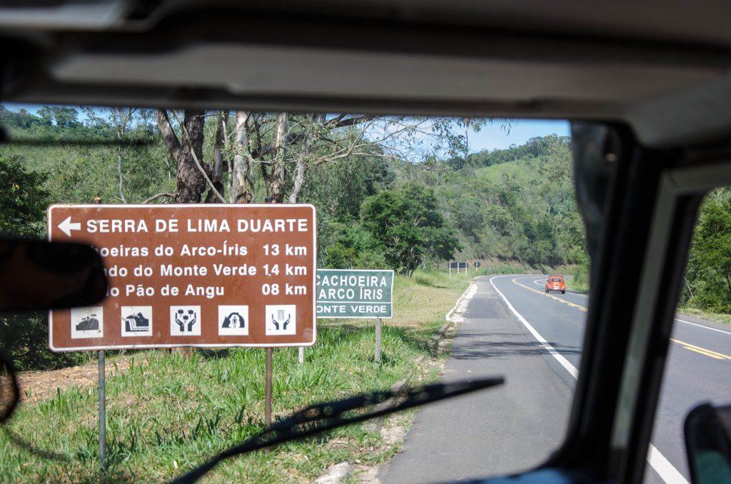 Lima-Duarte-cachoeira-arco-íris