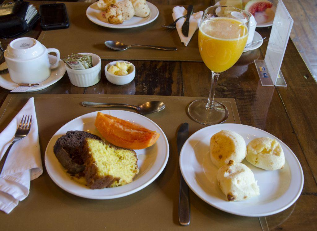 Ibitipoca-café-da-manhã