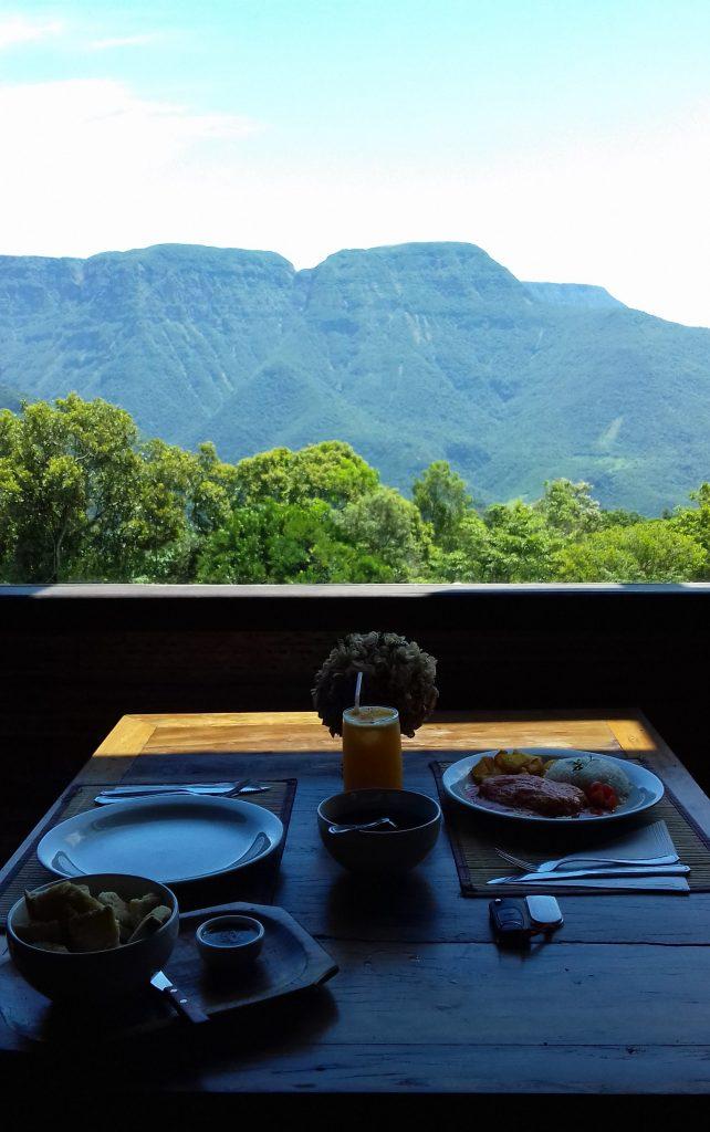 Morada-dos-Canyons-almoço
