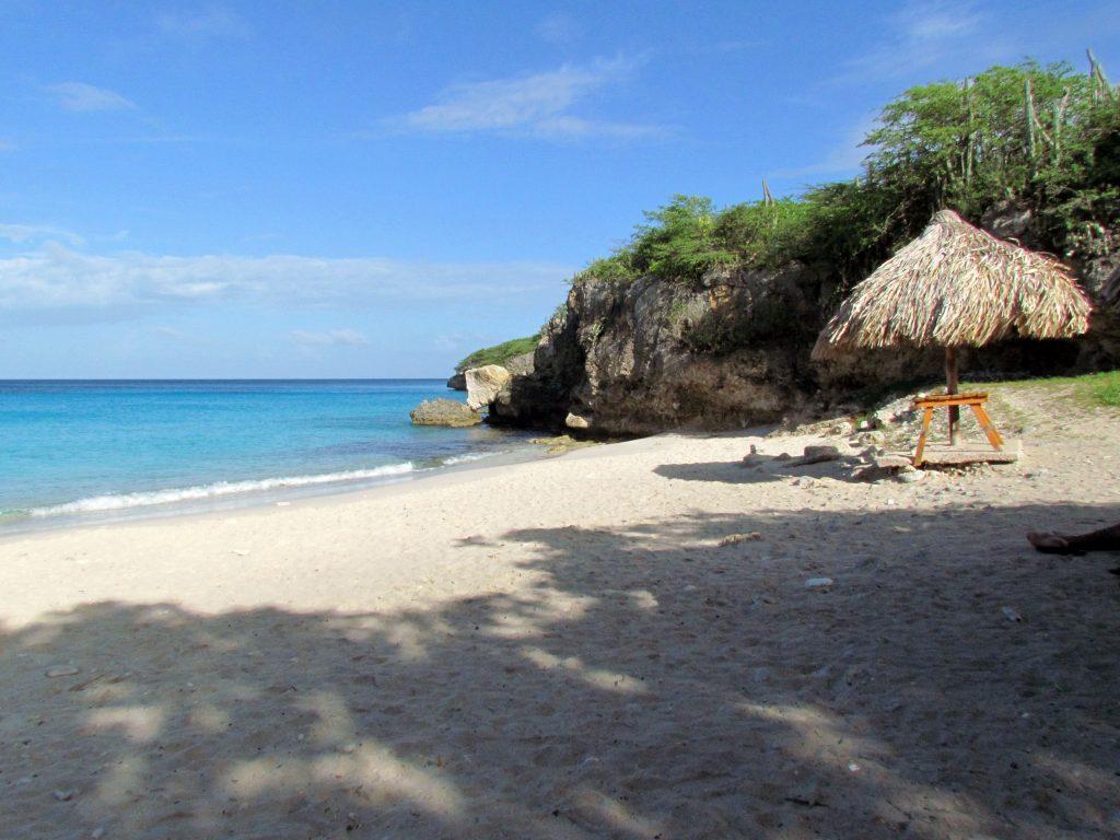 Praias-de-Curaçao-Kenepa-Chiki