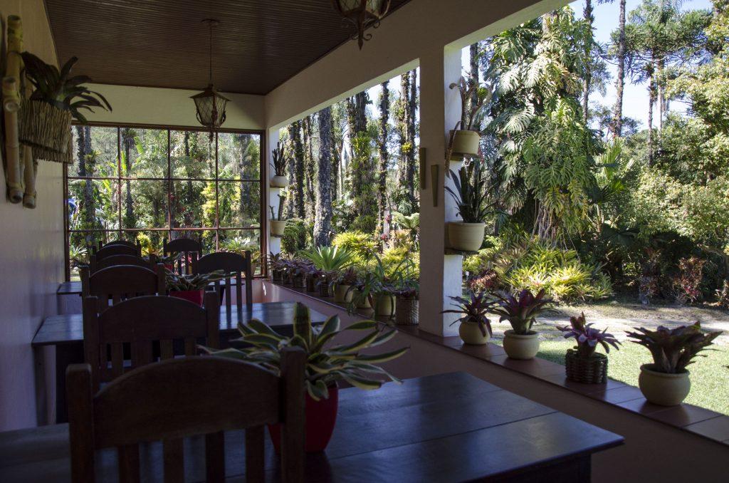 área-café-da-manhã-jardins-do-passaredo